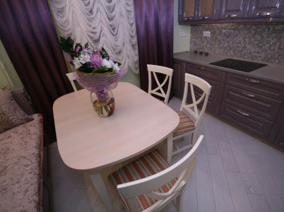 Стол для маленькой кухни: особенности выбора